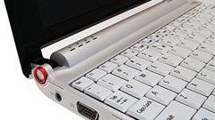 Acer Aspire One: Intel Atom contro Eee PC