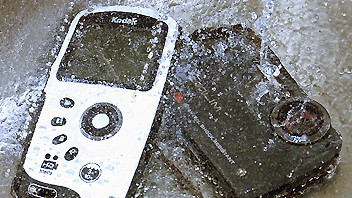 Videorecensione: Casio EX-G1 e Kodak Play Sport