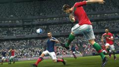 Pro Evolution Soccer 2012: continua la rincorsa di Konami