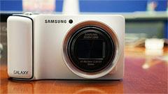 Samsung Galaxy Camera, dentro smartphone fuori fotocamera