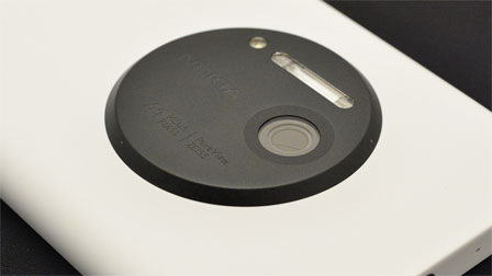 Nokia Lumia 1020: il cameraphone da 41 megapixel