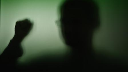 La Gran Bretagna dichiara guerra ai troll: fino a due anni di carcere