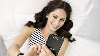 La gamma smartphone di Acer si espande nel retail
