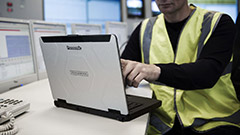 Panasonic Toughbook CF-54: il portatile che ridefinisce il semi-rugged