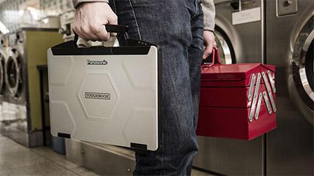 Panasonic Toughbook CF-54: il portatile che ridefinisce il semi-rugged