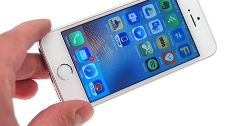 iPhone SE recensione completa: più piccolo vuol dire peggiore?