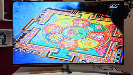 TV Samsung KS9000, connubio di forma e sostanza