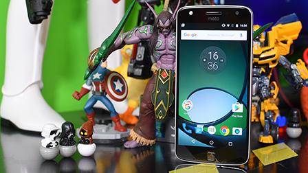 Lenovo Moto Z Play, la nostra prova dello smartphone con i Mods