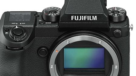 Fujifilm GFX 50S,  medio formato mirrorless da 51,4 Megapixel compatta e leggera
