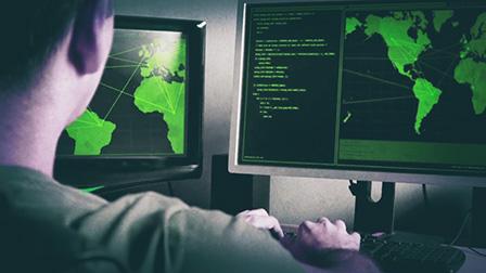 Attacchi informatici: rete elettrica, mezzi di trasporto, ecco cosa rischiamo oggi