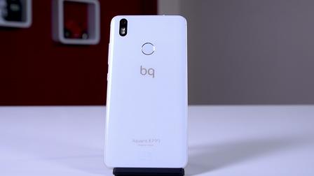 BQ Aquaris X Pro: l'eleganza di uno smartphone di fascia media senza compromessi