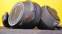 Plantronics Voyager 8200 UC: le cuffie Noise Cancelling perfette per chi fa chiamate audio