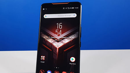 ASUS ROG Phone, tanta arroganza in salsa gaming. La recensione