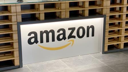 Amazon Italia: ecco come funziona il magazzino grande come 11 campi da calcio