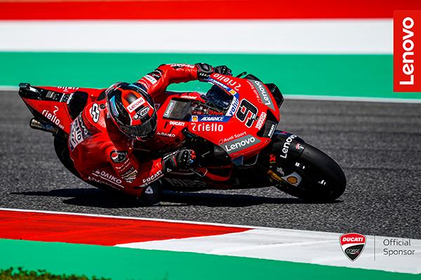Ducati moto pista