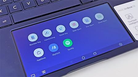ASUS Zenbook 13, il notebook compatto con il touchpad che diventa schermo