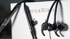 Bowers & Wilkins PI4 in-ear: noise cancelling, ottimo audio, adatte allo sport