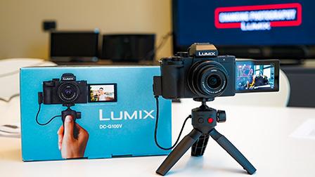 Panasonic Lumix G100: piccola e stabilizzata per Vlogger e YouTuber