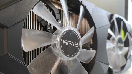 KFA2 GeForce RTX 2060 Super EX (1-Click OC), il dissipatore abbassa temperatura e rumorosità