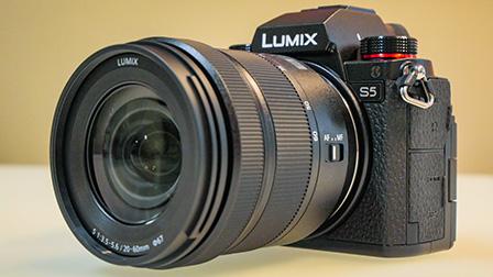 Panasonic Lumix S5: le dimensioni diminuiscono, le prestazioni restano