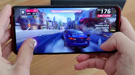 Legion Phone Duel, uno smartphone perfetto per giocare. La recensione