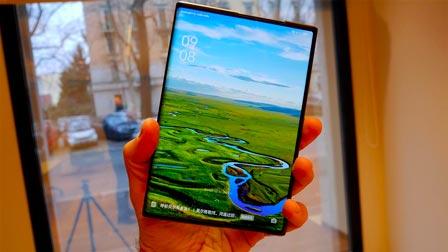 OPPO X 2021 è il futuro! Ecco l'anteprima dello smartphone che si ''allarga''