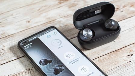 Technics AZ70W True Wireless Stereo con buona qualità audio e noise cancelling