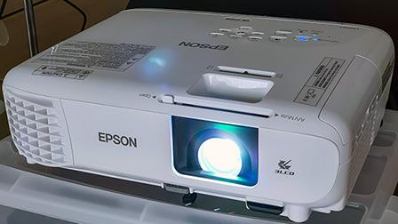 Epson EB-FH06, proiettore a lampada da 3310 lumen (misurati) per l'ufficio e l'intrattenimento