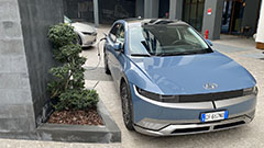 Hyundai Ioniq 5, primo contatto e test drive: l'auto elettrica che segna il prima e il dopo