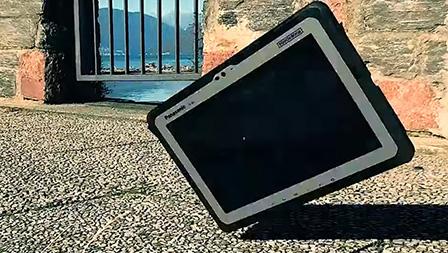 Panasonic Toughbook A3, un tablet indistruttibile per chi non lavora in ufficio