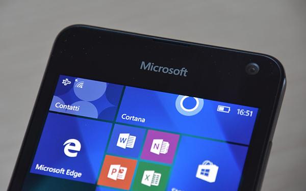 Lumia 650 recensione windows 10 mobile costruzione for Software di layout di costruzione gratuito
