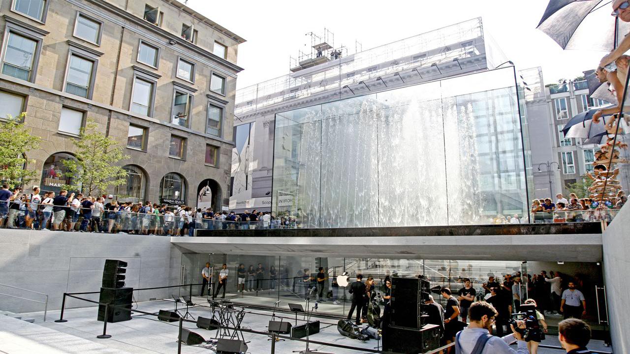 Code agli Apple Store: Huawei regala power bank ai clienti in fila