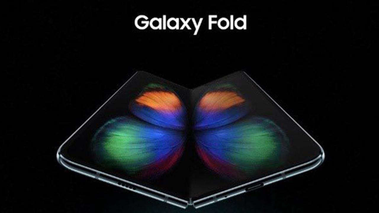 Samsung Fold: è lui ed è ufficiale. Il primo smartphone con display pieghevole