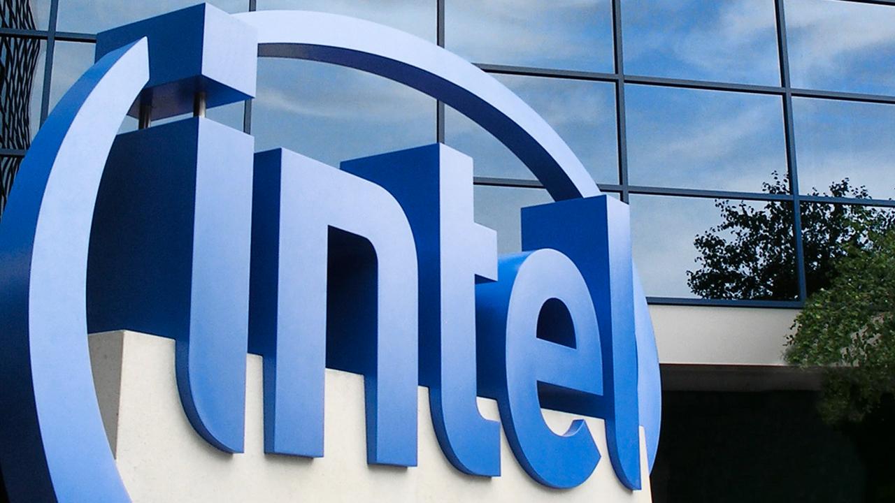 Intel cambia CEO e torna una vecchia con …