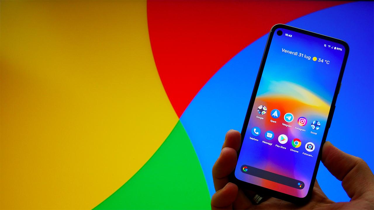 Google Pixel 4a: piccolo, leggero, con una sola fotocamera e Android stock. Vale la pena? La recensione