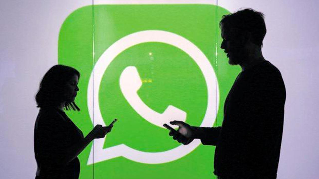 WhatsApp si aggiorna: in arrivo novità importanti per i messaggi inoltrati. Eccole
