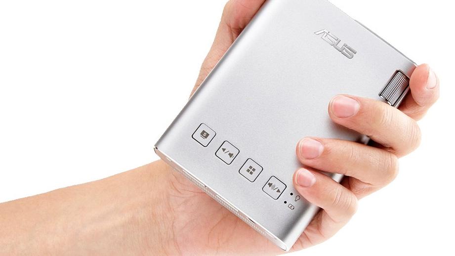 ASUS ZenBeam E1: il videoproiettore tascabile con batteria integrata