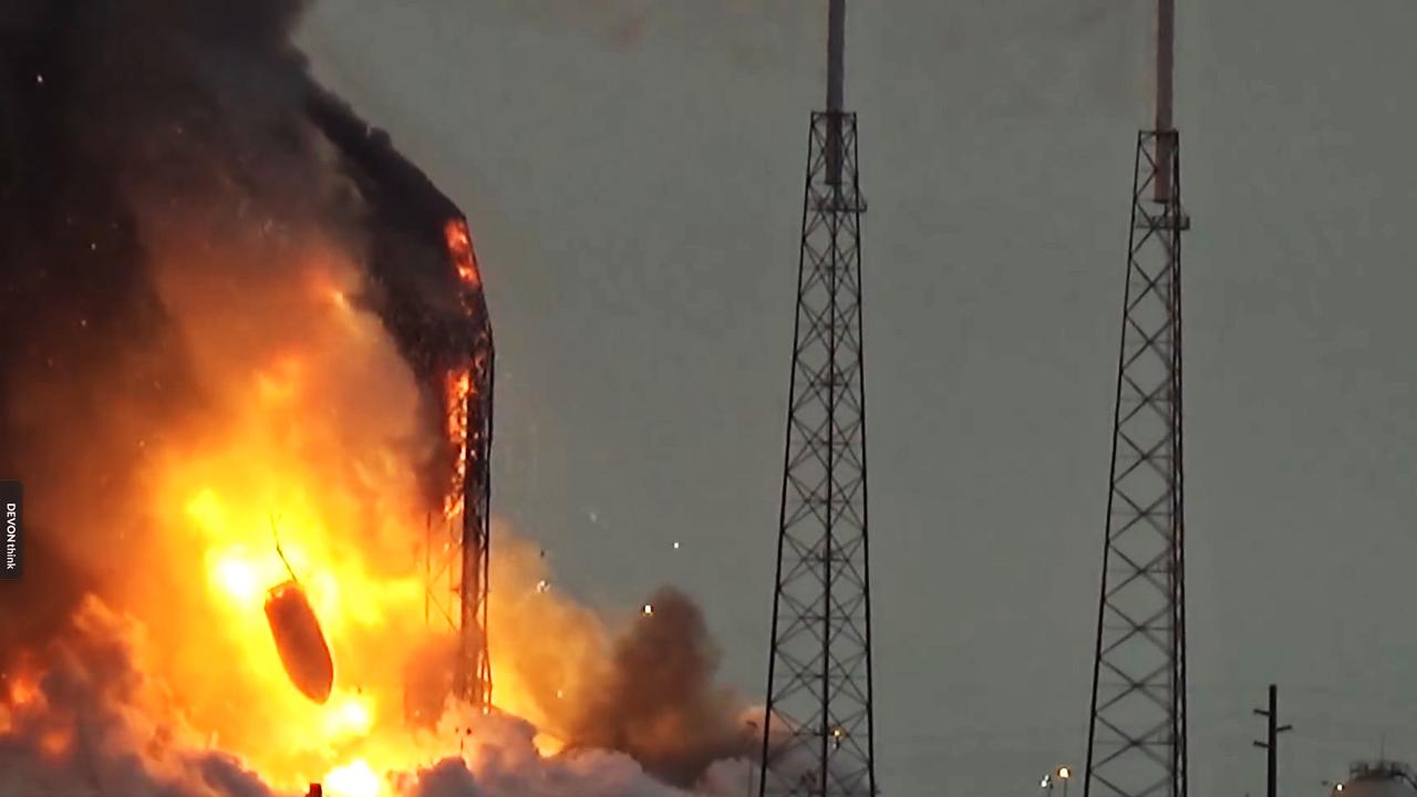 Esplode il razzo Falcon 9 sulla rampa di lancio: distrutto il satellite Amos 6