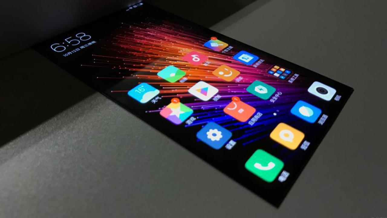 Ecco, in video, il primo display flessibile prodotto da Xiaomi