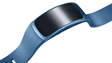 Samsung presenta la smart band Gear Fit 2 e le cuffie Gear IconX