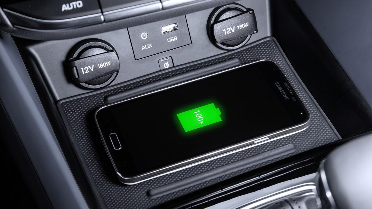 Hyundai IONIQ, connettività per essere a prova di futuro