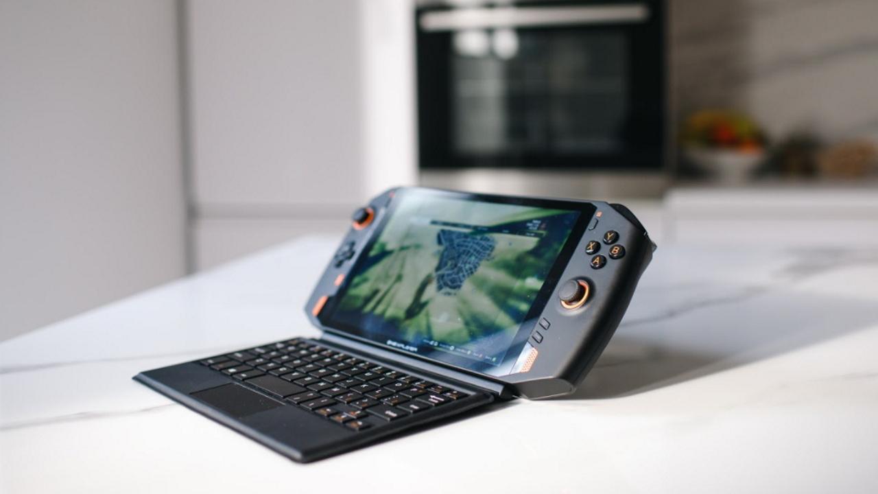 ONE XPLAYER, una console portatile poten …
