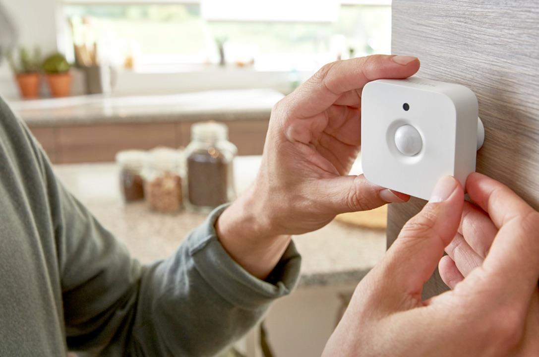 Philips Hue, arriva il sensore di movimento che accende in automatico le luci smart