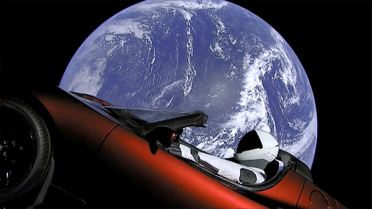 Risultati immagini per roadster nello spazio