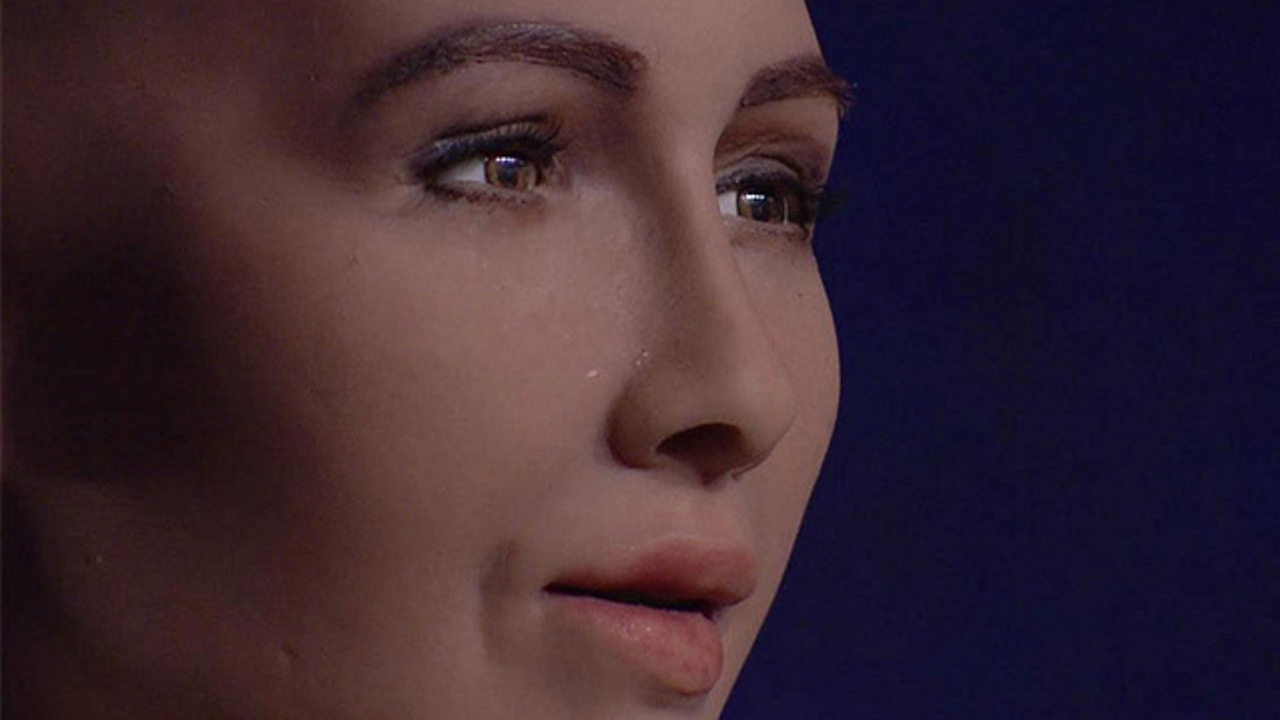 Prima intervista a un robot, Sophia, andata in onda in TV
