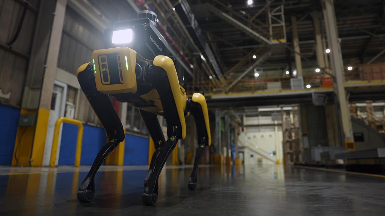Spot, il robot a quattro zampe, è il nu …