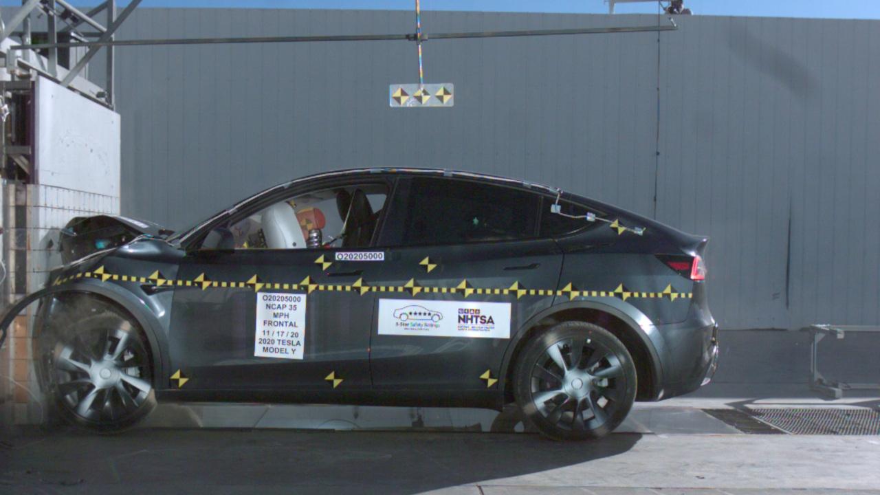 Tesla Model Y al crash test NHTSA, sicur …