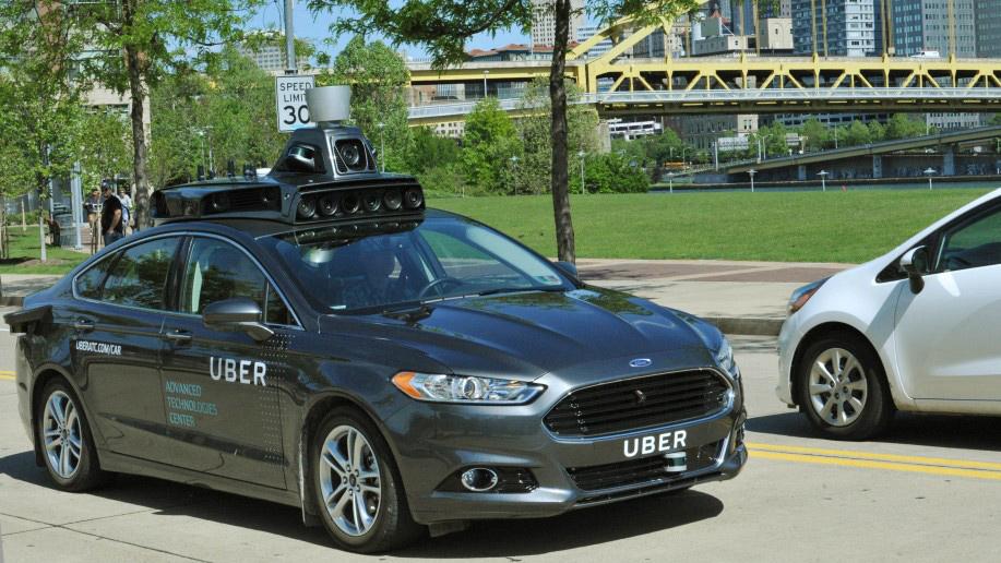 Uber lancia la flotta di auto a guida autonoma: in futuro passaggi senza autista
