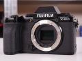 Fujifilm X-S10: piccola, più semplice e stabilizzata