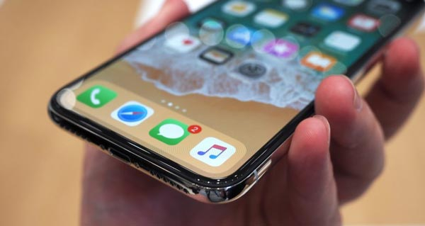 d507ebf05e7 Apple mette a disposizione una delle opzioni di seguito per la riparazione  del proprio iPhone X. L'iPhone chiaramente sarà esaminato prima di  qualsiasi ...